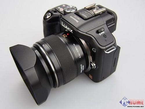 松下微单g5相机搭载14-24镜头侧面欣赏
